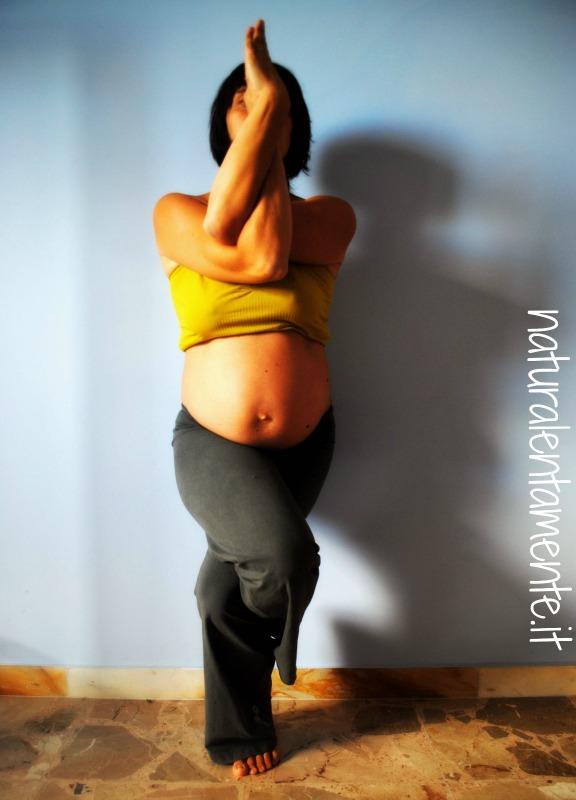 garudasana yoga in gravidanza