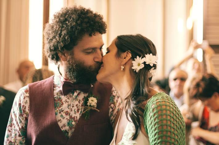 matrimonio sostenibile e vegano il bacio